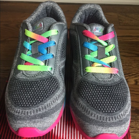 Girls Youth Fila Shoes Size 4 NWT